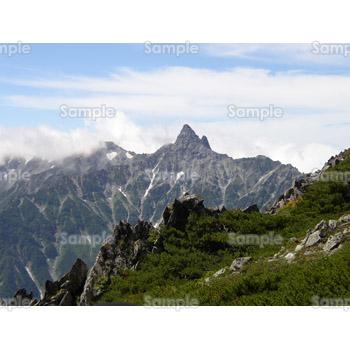 清々しい山の写真